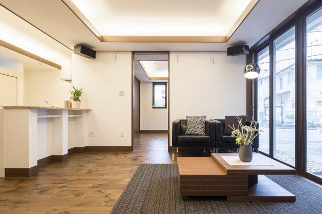 ずっと住み続けたいから、将来的に家族構成が変わった時にも、備えた間取りを考えました。玄関も別の完全分離二世帯住宅です。