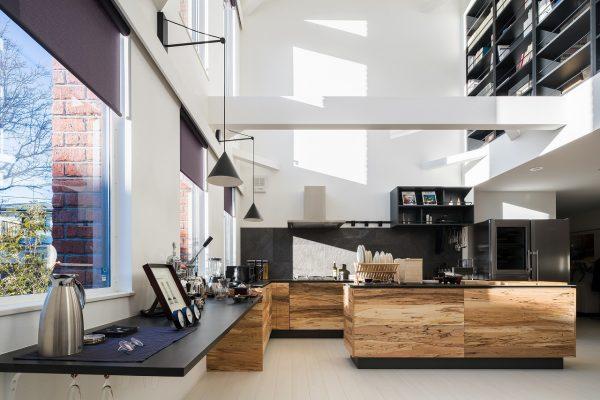 キッチンスタジオにもなりそうな、広々としたキッチン