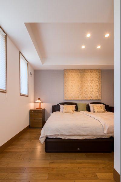居室の折り上げ天井、カーテン……そのひとつひとつに、お打合わせを重ねた記憶がよみがえります。