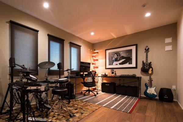 お部屋の一画にご主人の趣味のスペース