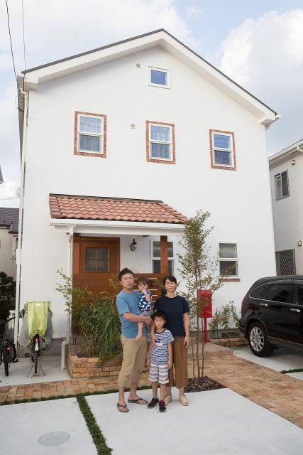 「こんな家に住みたかった!」仕上がりに大満足のM様ご家族。