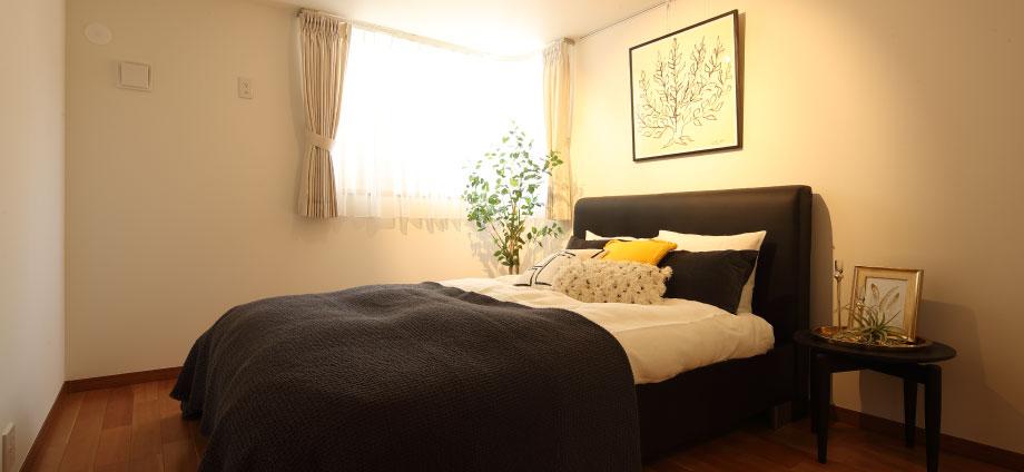 神奈川県横浜市の賃貸住宅の寝室