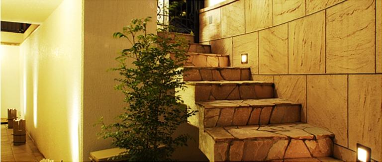 横浜市の注文住宅、石畳階段