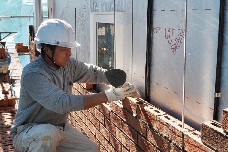 神奈川県横浜市の注文住宅の外壁レンガ積み