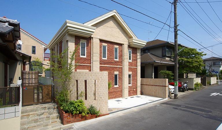 神奈川県横浜市の注文住宅「レンガ造りの外観」