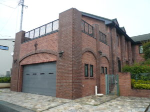 神奈川のレンガの家は近代ホーム